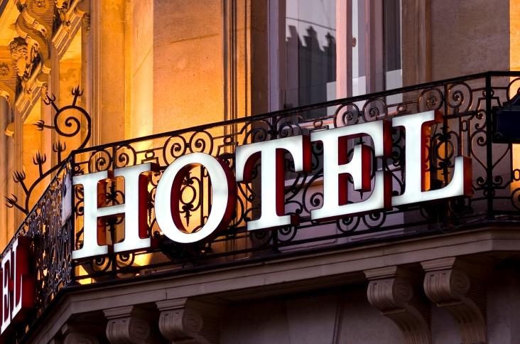 Quản lý và kinh doanh khách sạn
